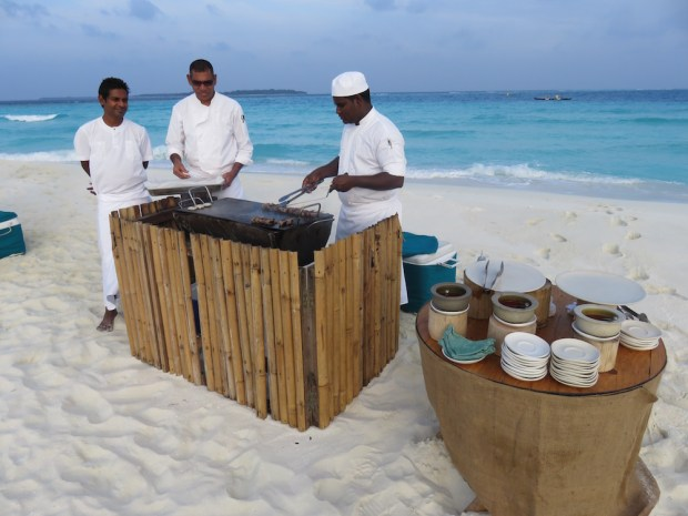 MANAGER'S COCTAIL ON THE SANDBANK