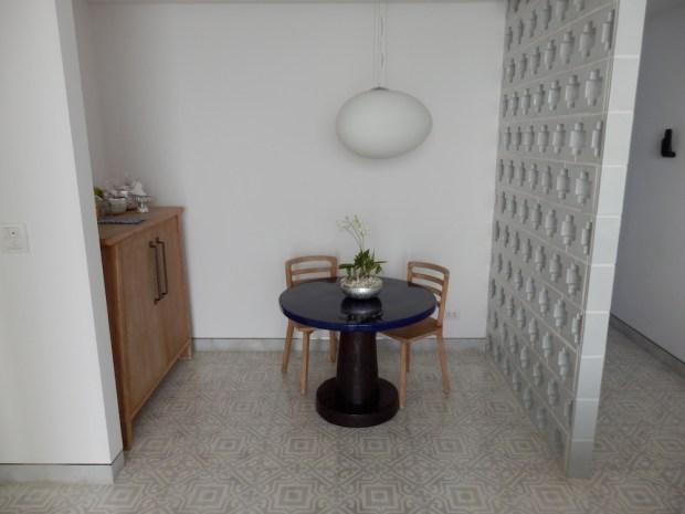 BAY SUITE: LIVING ROOM
