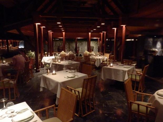 THAI RESTAURANT: DINNER