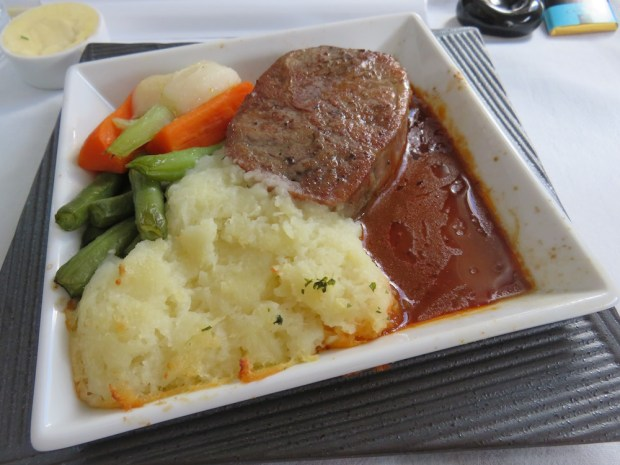 LUNCH - ENTREE: BEEF WITH MADEIRA SAUCE