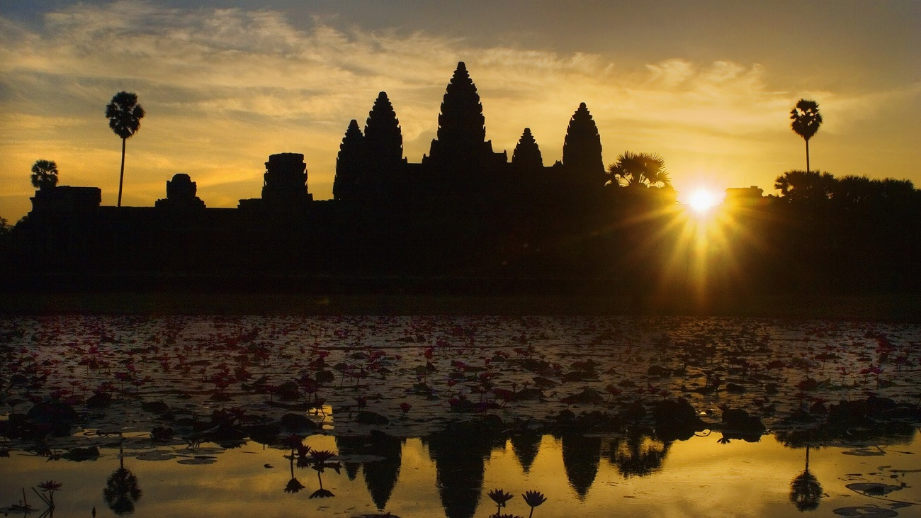 Top 10 Worlds Most Iconic Sunset And Sunrise Spots The Luxury Bromo Full Destination Angkor Wat Cambodia