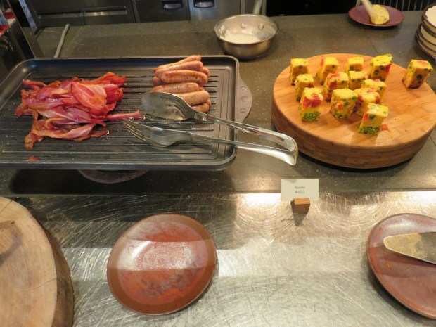 ANDAZ TAVERN: BREAKFAST