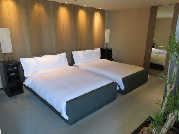 PARK SUITE: BEDROOM