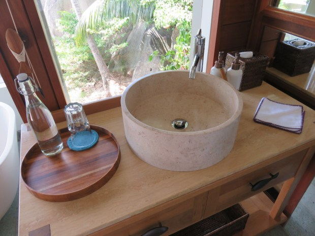 PAYSON POOL VILLA: BATHROOM