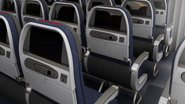 AMERICAN AIRLINES MAIN CABIN