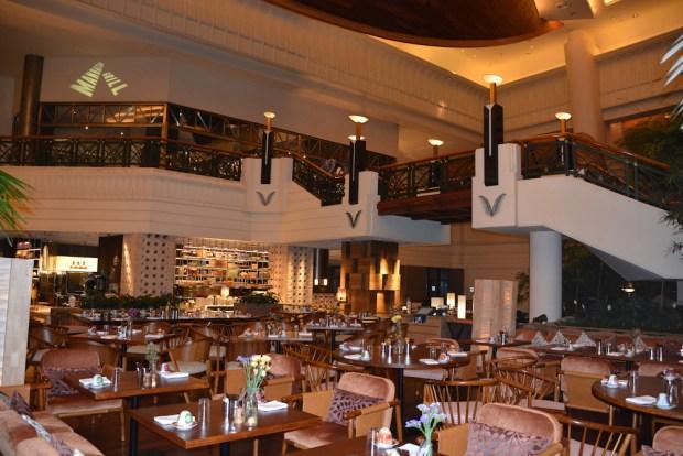 DINING: MANHATTAN GRILL STEAKHOUSE