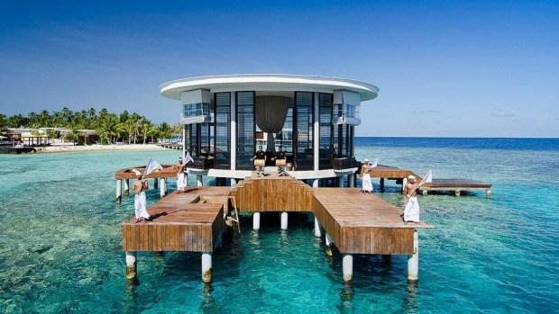 ENJOYING THE GOOD LIFE IN THE MALDIVES