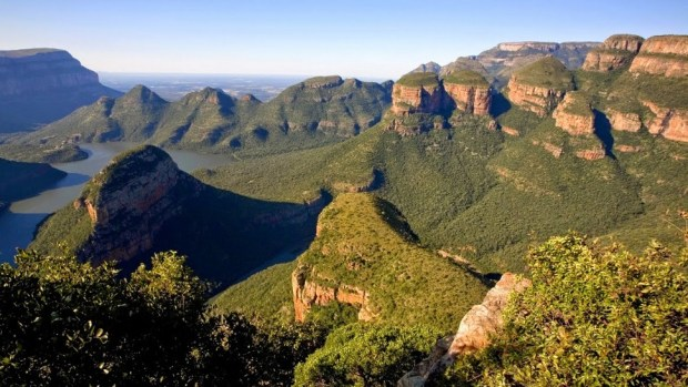 ENJOY THE BLYDE RIVER CANYON'S STUNNIG VIEWS