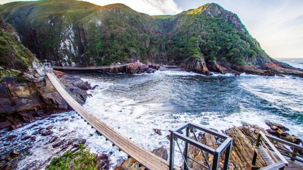 EXPLORE THE TSITSIKAMMA NATIONAL PARK