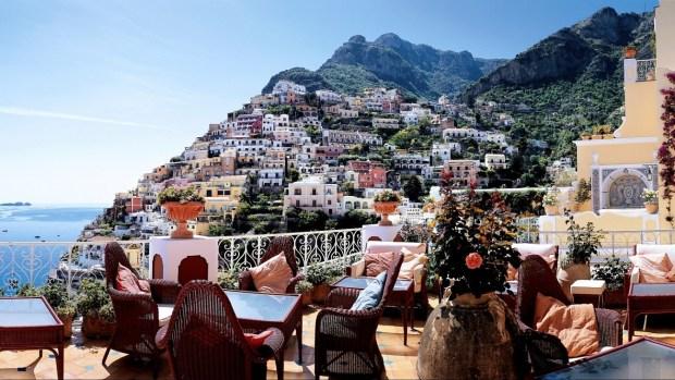 VISITING THE AMALFI COAST AND CAPRI ISLAND IN ITALY