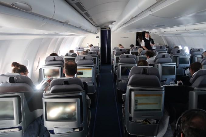 LUFTHANSA A330 BUSINESS CLASS CABIN