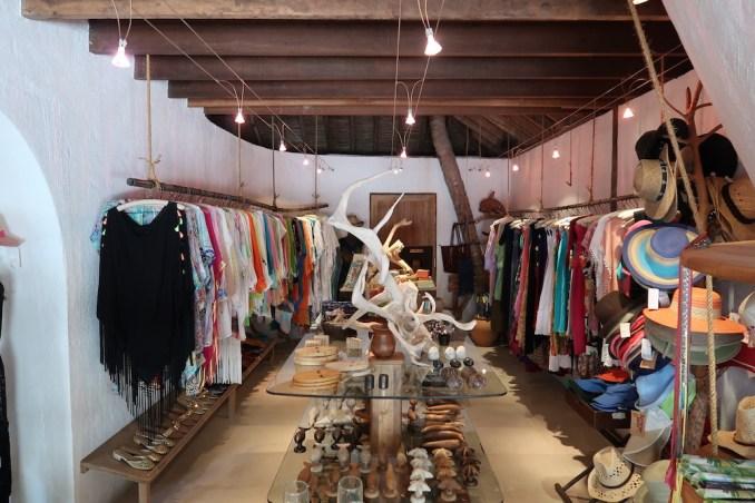 SONEVA FUSHI: BOUTIQUE SHOP