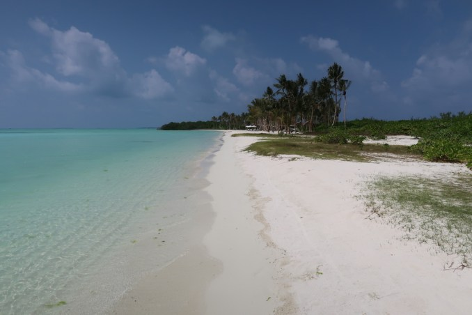 MEDHUFARU ISLAND: SOUTH BEACH