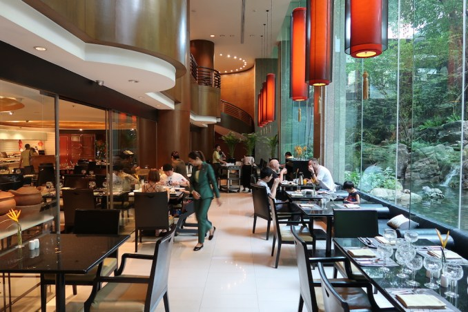 BANYAN TREE BANGKOK: ROMSAI RESTAURANT (BREAKFAST)
