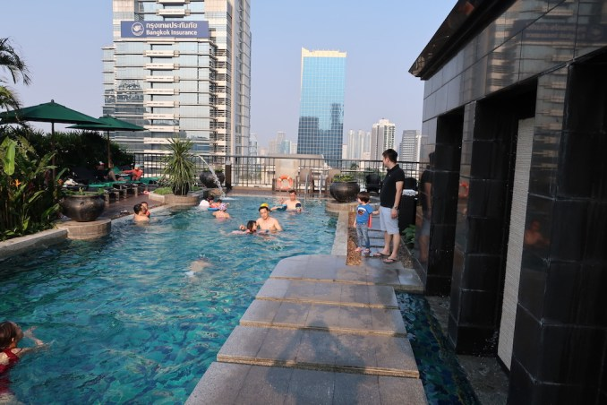 BANYAN TREE BANGKOK: POOL DECK