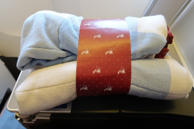 AUSTRIAN AIRLINES BUSINESS CLASS BLANKET
