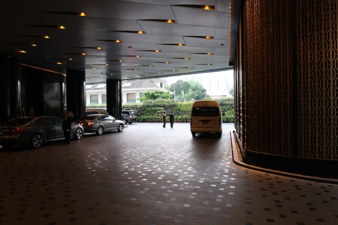 PARK HYATT BANGKOK: CAR PARK ENTRANCE