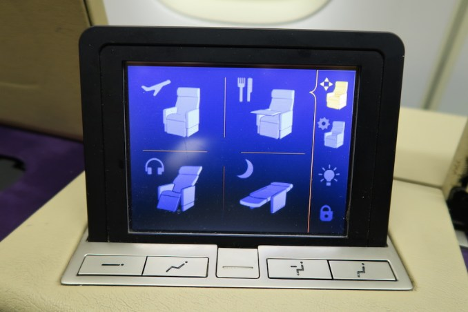 THAI AIRWAYS B747 FIRST CLASS SEAT: TABLET FOR SEAT CONTROLS
