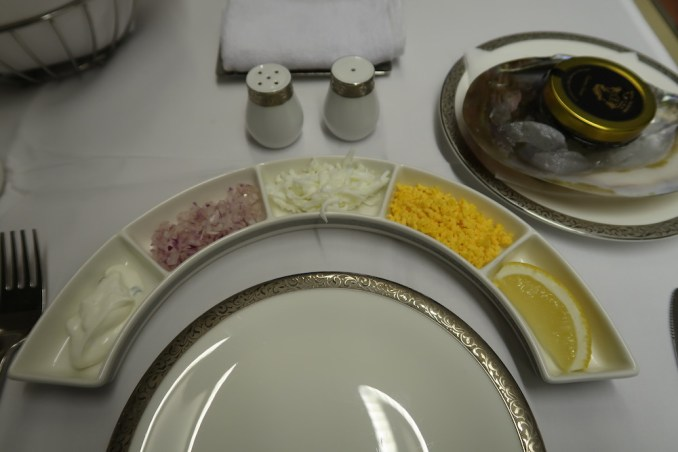 THAI AIRWAYS B747 FIRST CLASS DINNER: CAVIAR