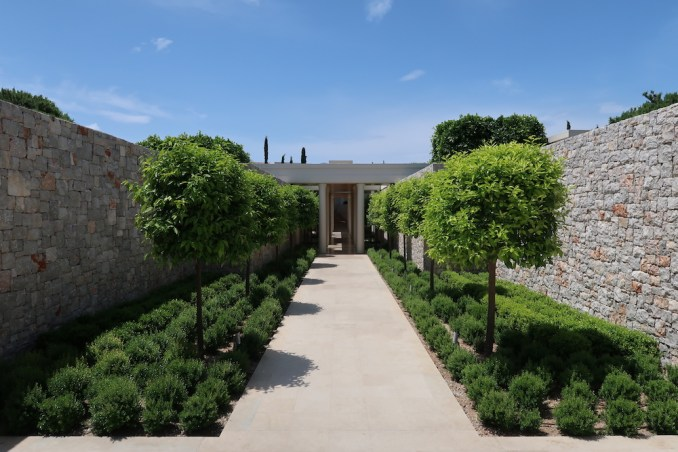 AMANZOE SPA: COLONNADE