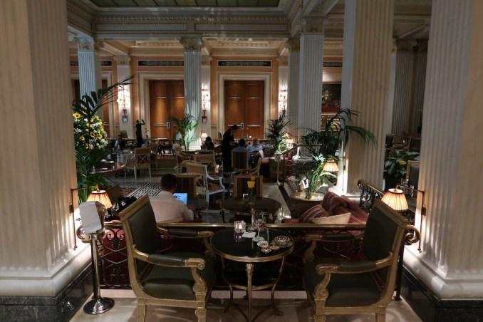 HOTEL GRANDE BRETAGNE: WINTER GARDEN LOUNGE