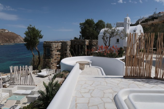 KIVOTOS MYKONOS: JUNIOR SUITE SEA VIEW - TERRACE