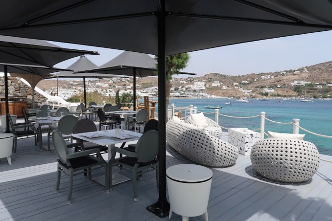 KIVOTOS MYKONOS: LE PIRATE POOLSIDE RESTAURANT
