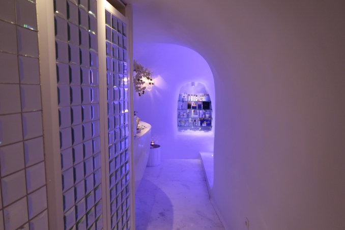 CANAVES OIA SUITES: SPA