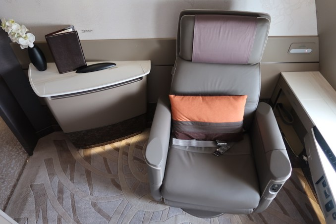 SINGAPORE AIRLINES A380 FIRST CLASS SUITE​
