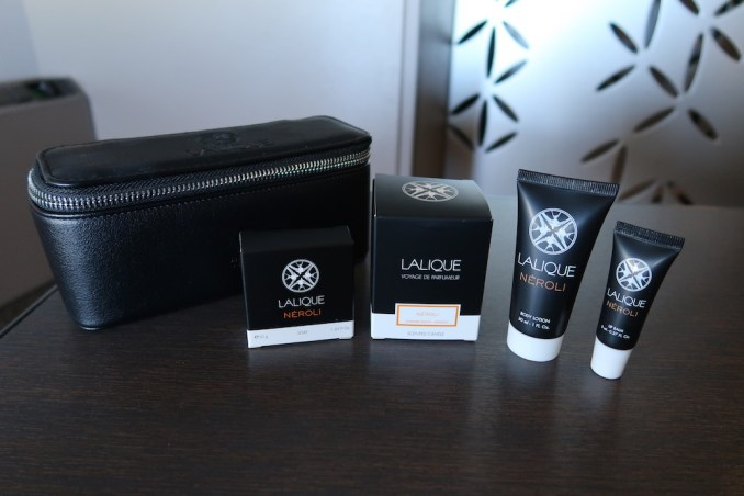 SINGAPORE AIRLINES A380 FIRST CLASS - AMENITY KIT