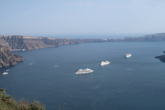 GRACE SANTORINI: VIEW OF CALDERA