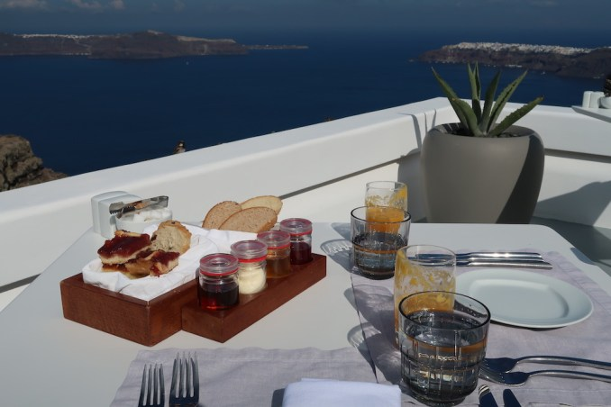 GRACE SANTORINI: BREAKFAST
