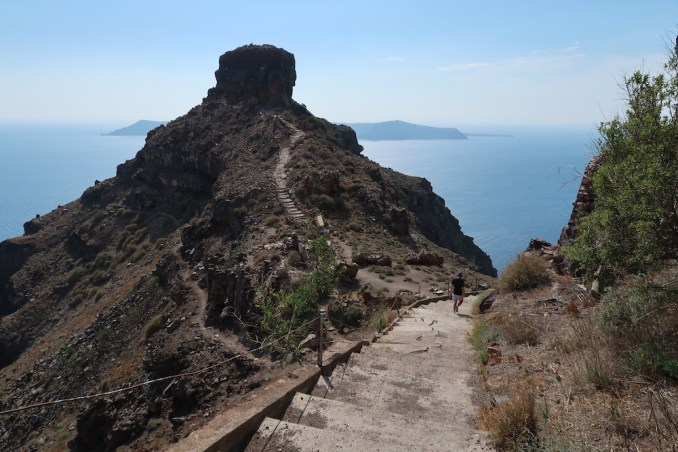 HIKE TO SKAROS ROCK