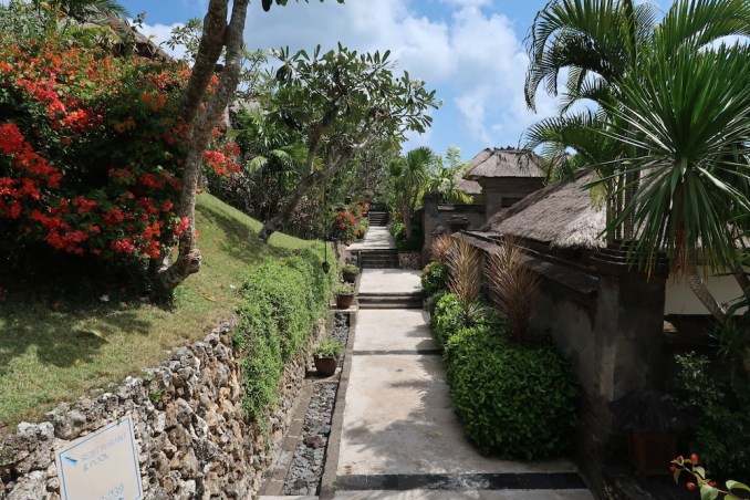 WALKWAYS TO VILLAS