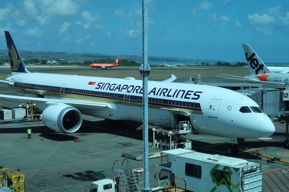 Review: Singapore Airlines Boeing 787 Business Class Bali to