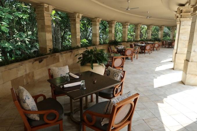 AMANJIWO: POOLSIDE CAFE