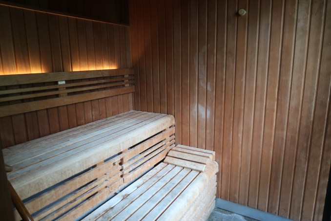 MANDAPA: SPA - LOCKER ROOM