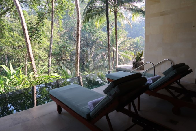 FOUR SEASONS SAYAN: SPA - TERRACE