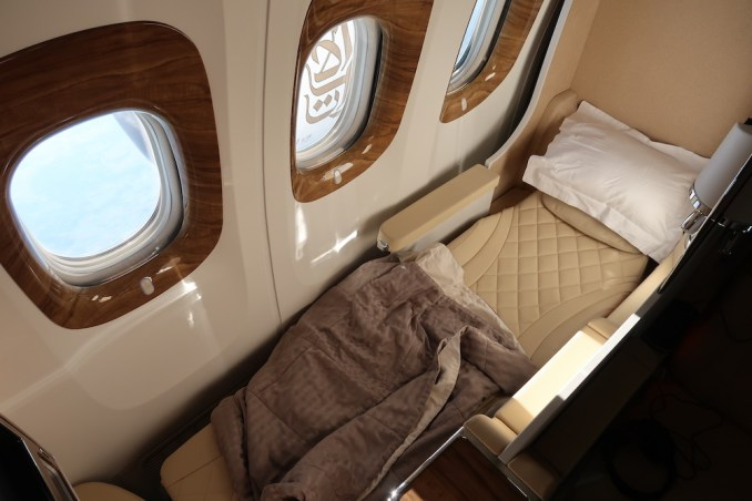 EMIRATES B777 BUSINESS CLASS SEAT (FLATBED POSITION)