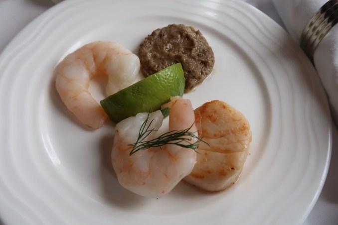 EMIRATES B777 BUSINESS CLASS DINNER
