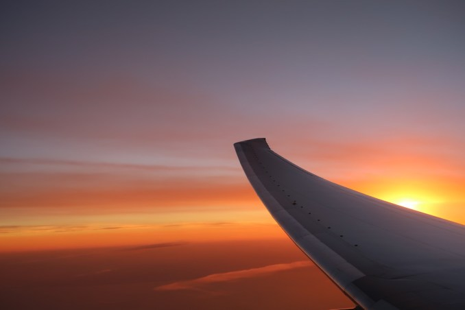 EMIRATES B777: VIEW OF SUNSET