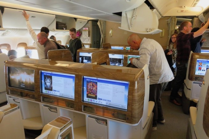 EMIRATES B777 BUSINESS CLASS CABIN (BOARDING)