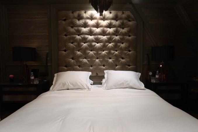 HOTEL TWENTYSEVEN AT NIGHT