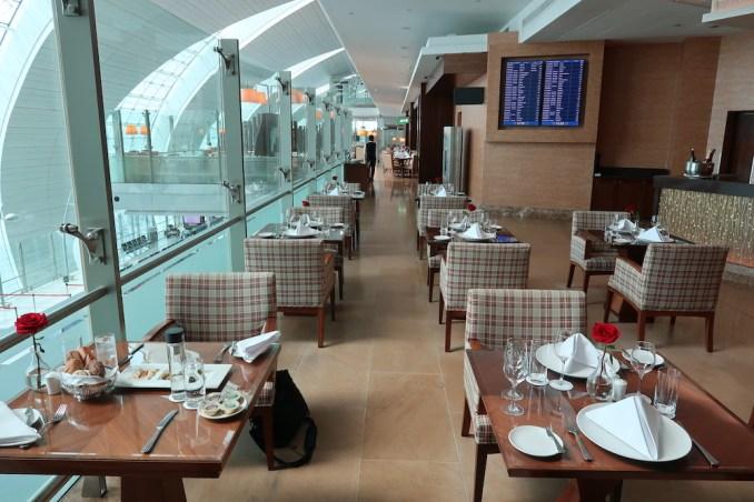 EMIRATES FIRST CLASS LOUNGE AT DUBAI: RESTAURANT