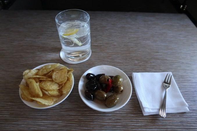 EMIRATES B777 FIRST CLASS: DINNER