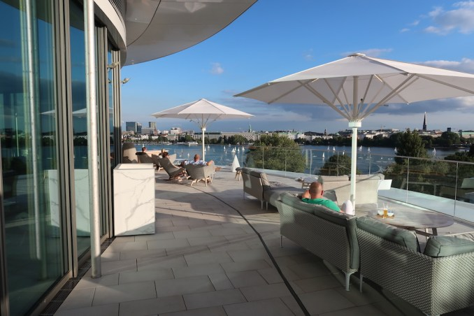 THE FONTENAY HAMBURG: ROOFTOP BAR & TERRACE
