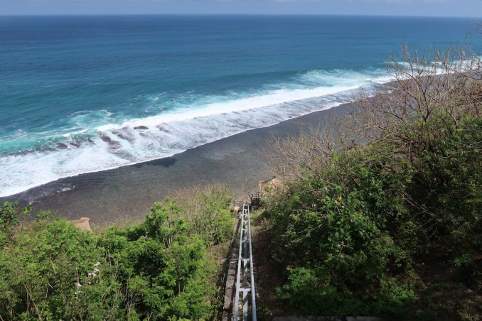 BULGARI BALI: INCLINED ELEVATOR TO BEACH