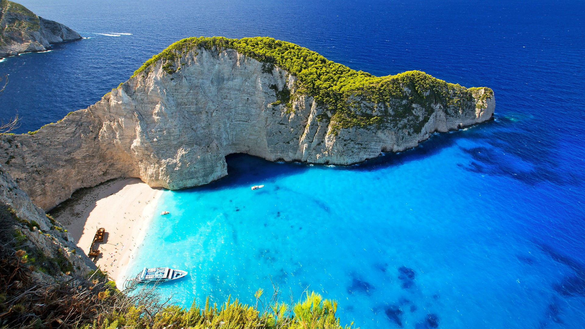 Top 10 most famous beaches in the world