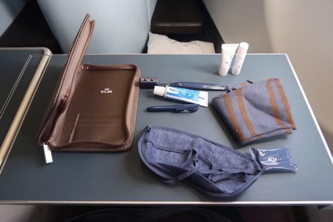 KLM A330 BUSINESS CLASS: AMENITY KIT