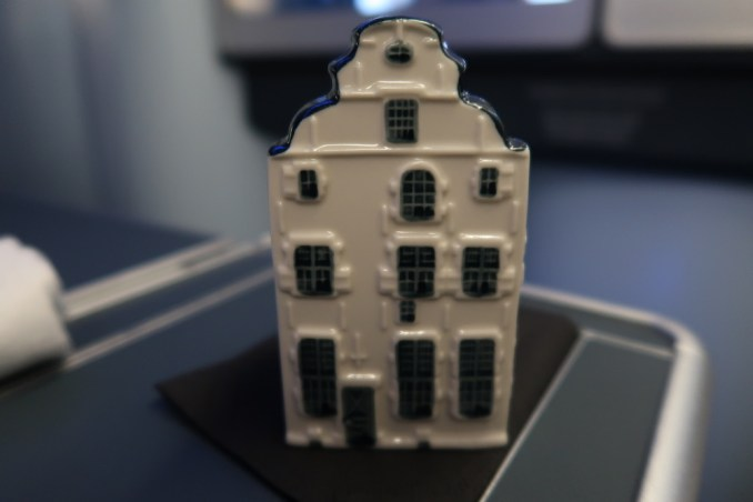 KLM A330 BUSINESS CLASS: PRE-ARRIVAL GIFT